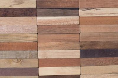 Natürliche Farb-Veränderungen bei Holz